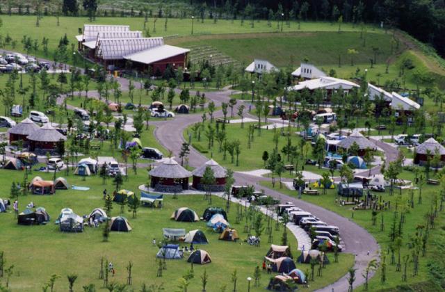 鶉ダム オートキャンプ場 「ハチヤムの森」