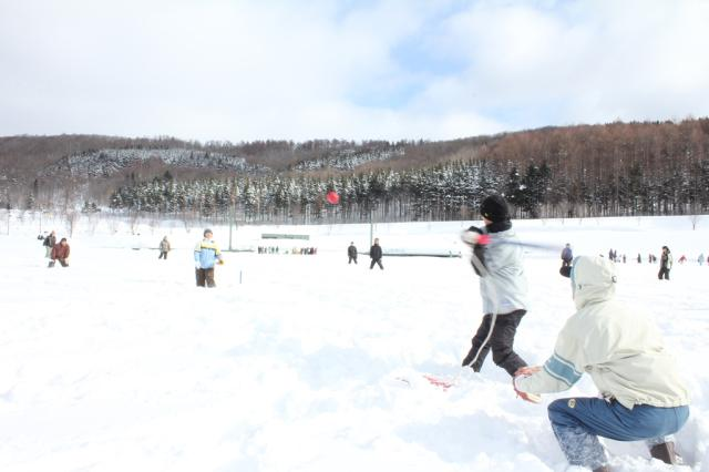 雪中ソフトボール大会
