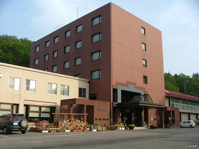 うたのぼりグリーンパークホテル