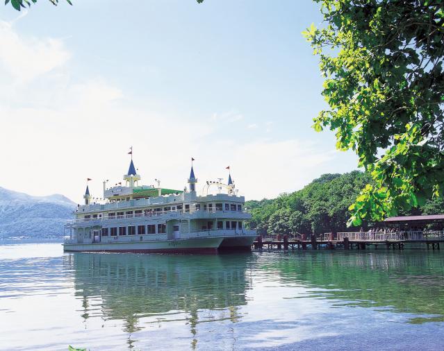 洞爺湖温泉~中島遊覧船