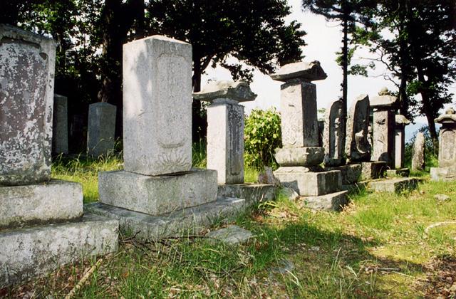 吉里吉里善兵衛の墓