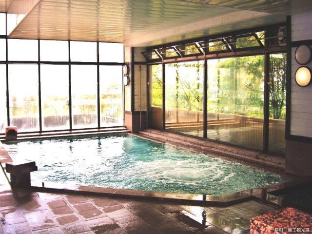奥中山自然休養村管理センター「朝朱の湯」