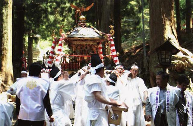 金華山黄金山神社初巳大祭
