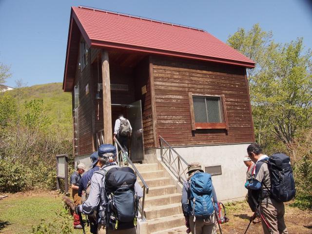 船形山升沢避難小屋