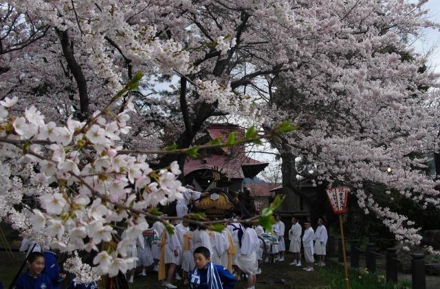 岩関神社祭典