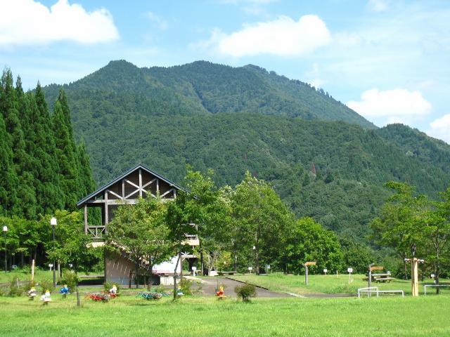 Goshikiko Ryokuchi Kouen Camping, Goshikiko lodge