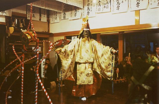 春日神社王祇祭(黒川能)