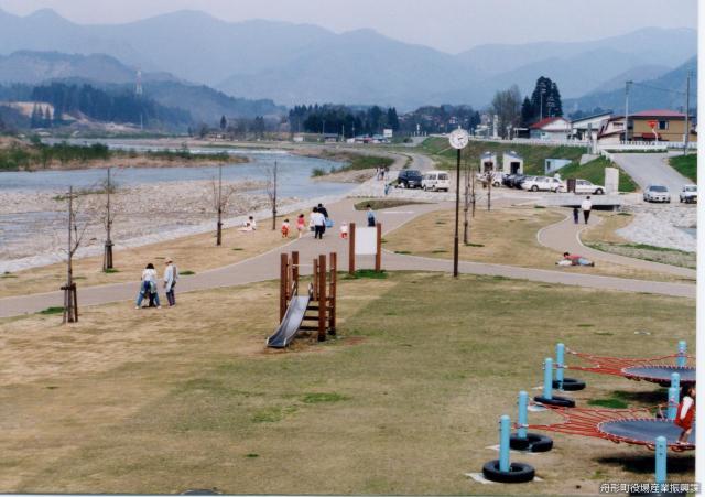 アユパーク舟形(河川公園)