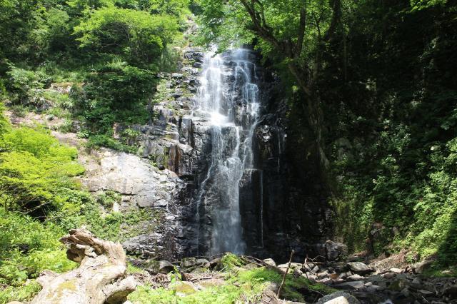 土倉的瀑布