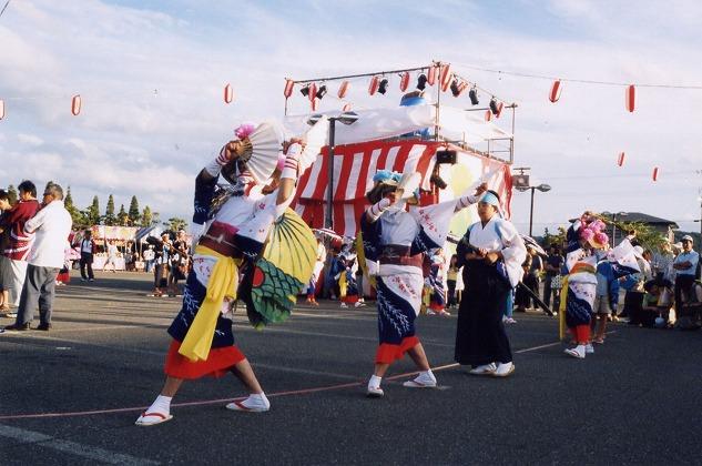 椿念仏踊り