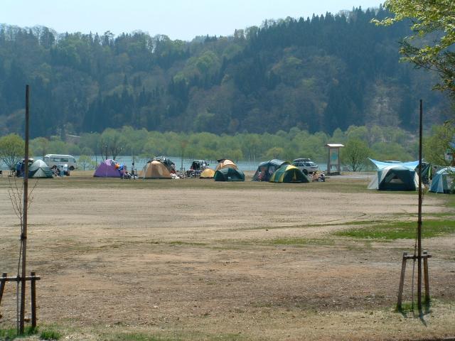 白川ダム湖岸公園キャンプ場