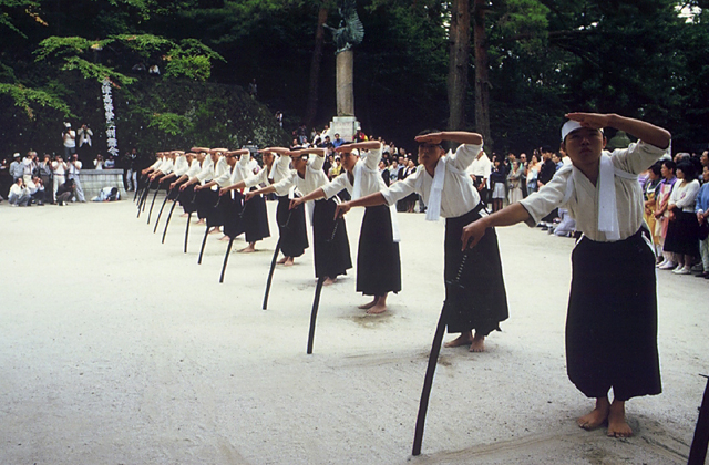 白虎隊墓前節日