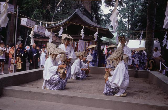御宝殿熊野神社稚児田楽