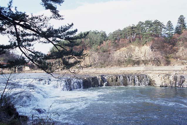 乙字ヶ滝(福島県須賀川市)