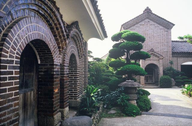 三津谷の煉瓦蔵群