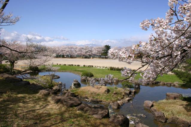 梁川城跡 庭園