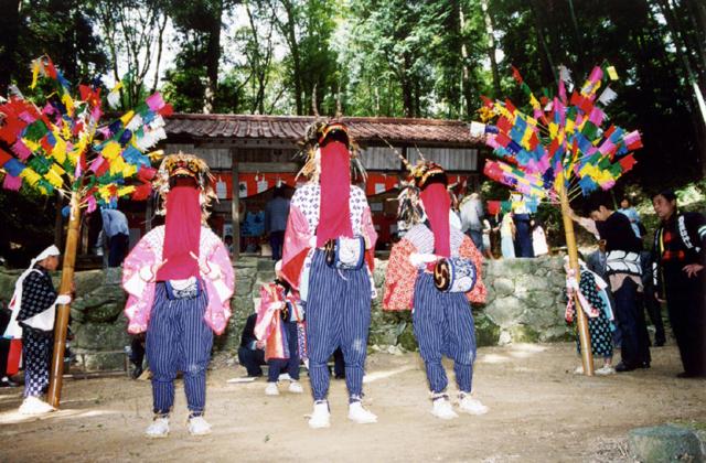 諏訪神社獅子舞