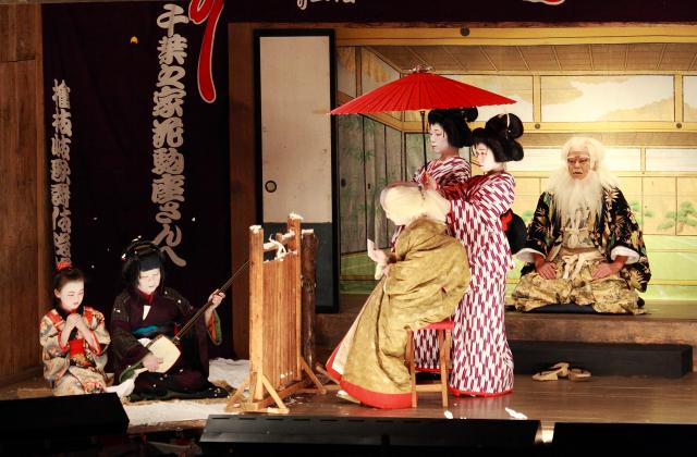鎮守神祭礼奉納歌舞伎