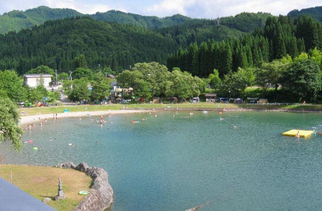 沼沢湖畔オートキャンプ場