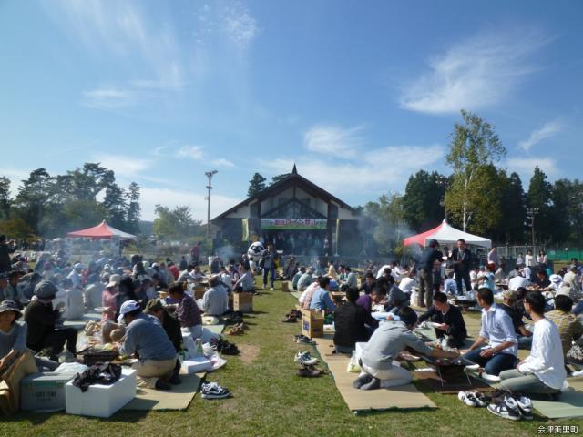 新鶴ワイン祭り