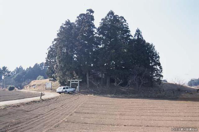 Ship Tsukayama old burial mound