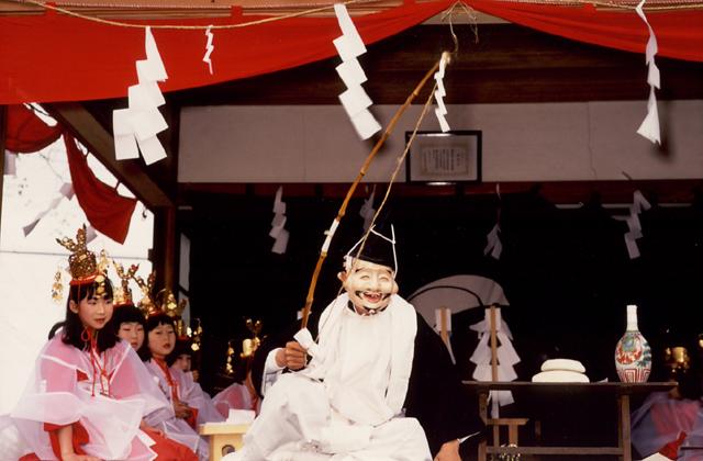 田間血方神社神楽
