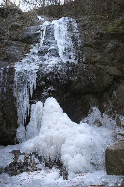蒔田不動の滝(氷瀑)