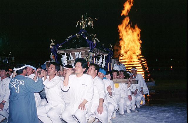 越本御神火祭