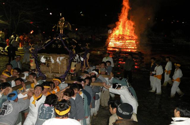 Koshimoto Goshinbisai (Fire Festival)