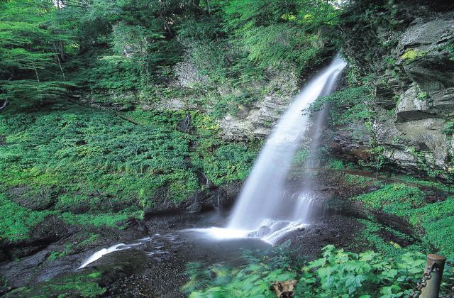 裏見の滝(群馬県みなかみ町)