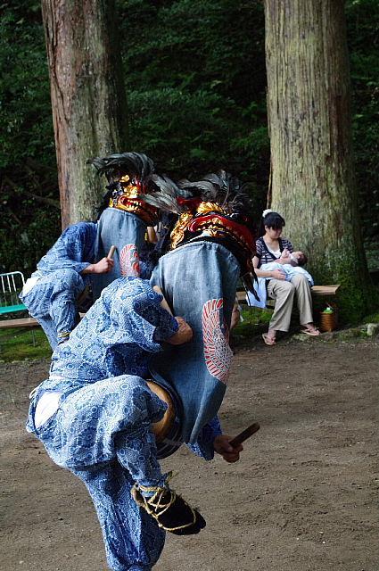 下名栗諏訪神社獅子舞