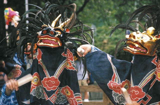 八幡神社鹿子舞