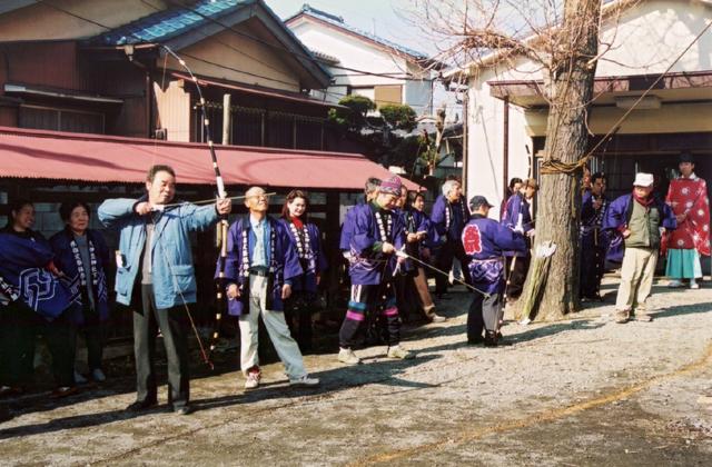 鶴ケ曽根上久伊豆神社の弓ぶち・鶴ケ曽根下久伊豆神社の弓ぶち