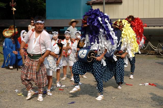 横手神社の獅子舞