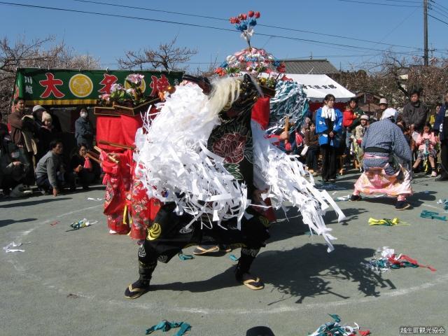八幡神社獅子舞