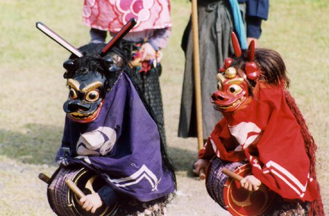 兵執神社の獅子舞