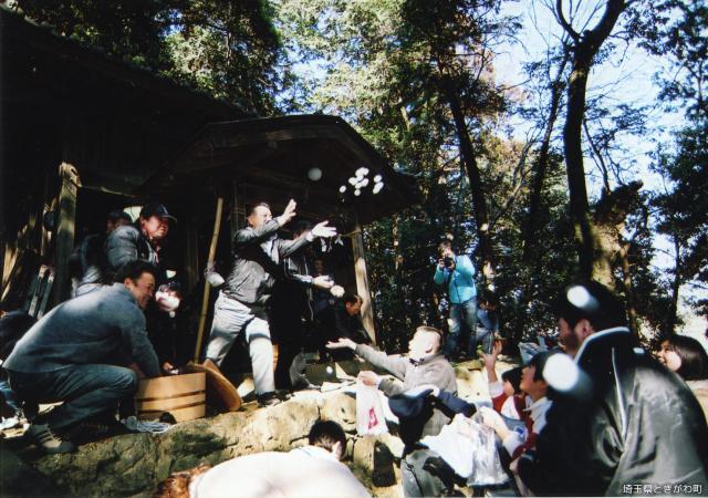 春日神社春季例祭(春日神社のだんご投げ)