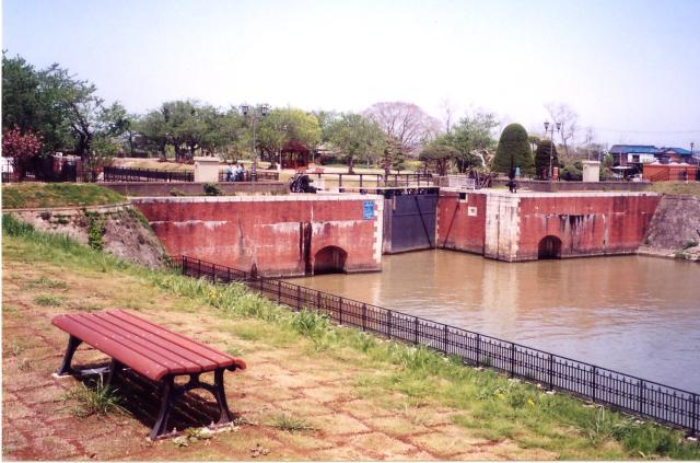 旁邊利根閘門接觸公園