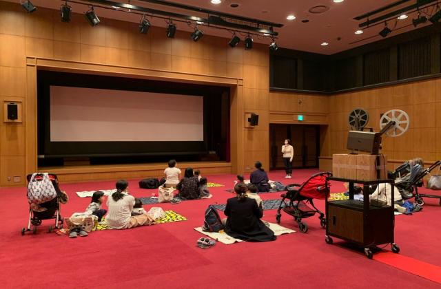 「みる」親子でピクニック 映画寺子屋上映会