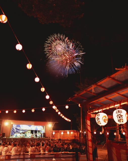 例祭と花火大会(奥多摩町観光産業課)