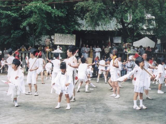 根府川寺山神社の鹿島踊り