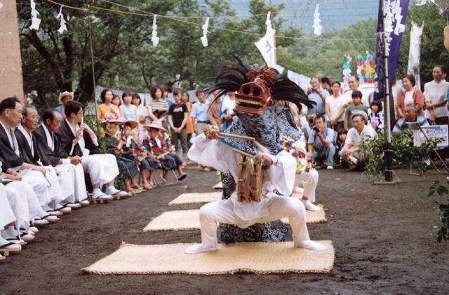 鳥屋の獅子舞