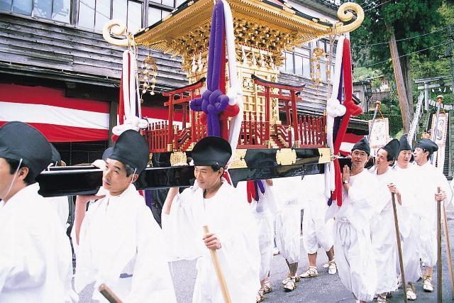 【2021年開催中止】諏訪神社春季大祭・大名行列