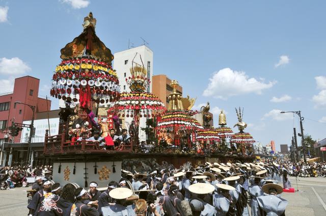 高岡御車山祭 ※令和2年度中止