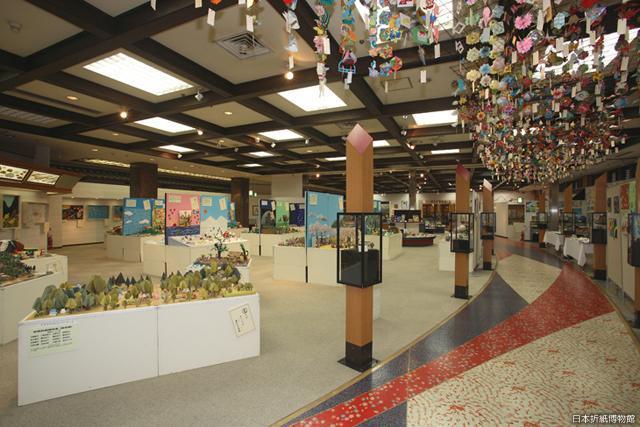 日本折紙博物館(御菓子城加賀藩文化村)