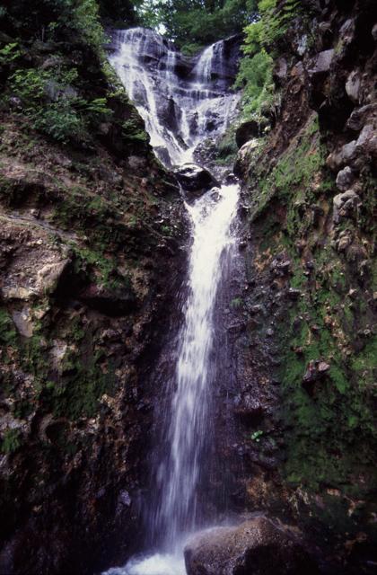 夫婦滝(福井県勝山市)