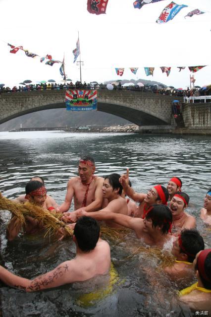 Underwater tug-of-war★18442ba2212063026