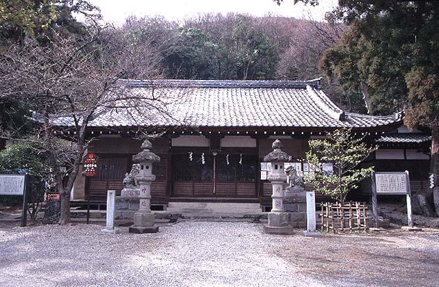 山梨岡神社