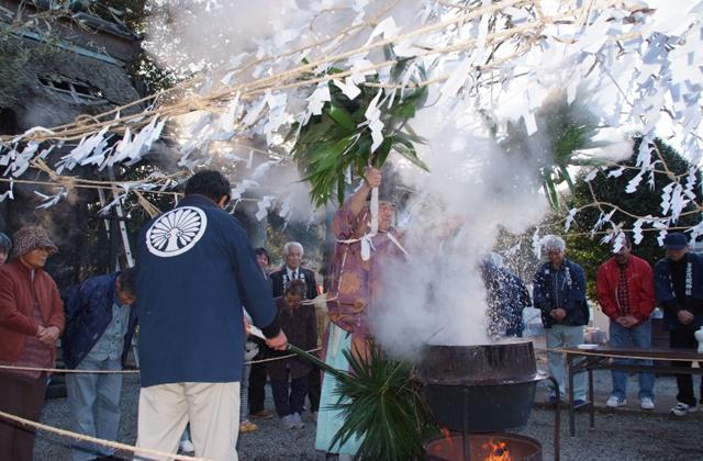 万沢浅間神社湯立祭り