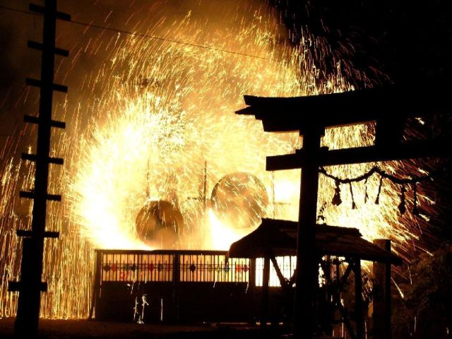 清内路の手づくり花火(秋季奉納煙火)